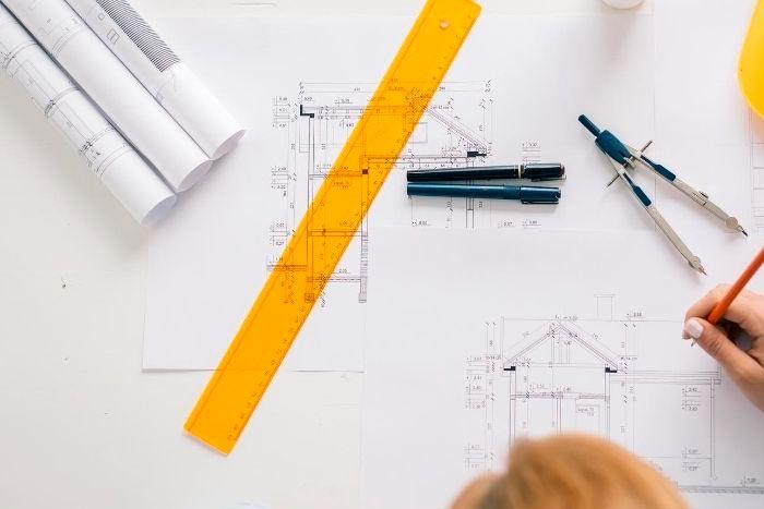 Redacción del proyecto y planos por parte de un arquitecto